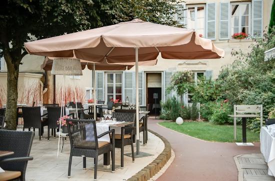 Maison Philippe le Bon : Restaurant La Closerie côté jardin