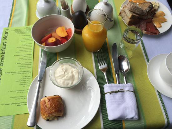 Derwent House Boutique Hotel: Part of our lovely fresh breakfast