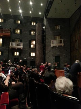 Teatro Carlo Felice : Left proscenium