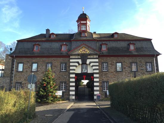 Hotel Schloss Burgbrohl Auf Der Burg   Burgbrohl Deutschland