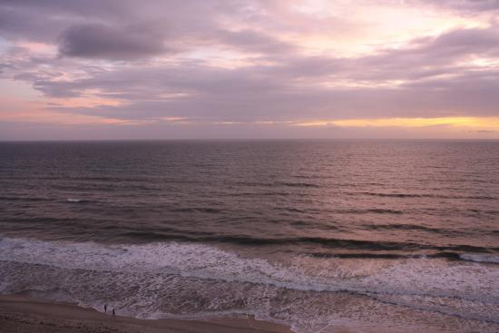 Hilton Melbourne Beach Oceanfront: Sunrise View from Hotel Balcony