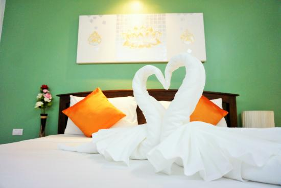 Luxur Boutique Hotel Patong: Deluxe Room