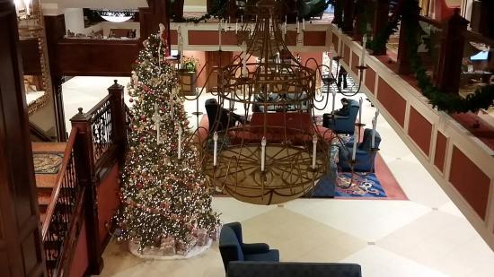 แกลลิคูน, นิวยอร์ก: Lobby at Christmas