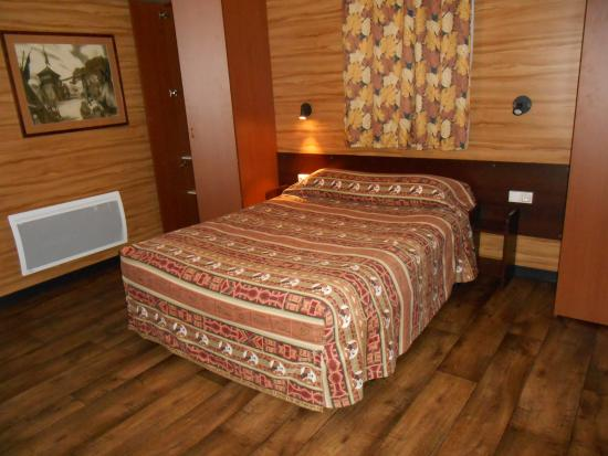 La chambre parentale picture of disney 39 s davy crockett for Chambre hotel disney