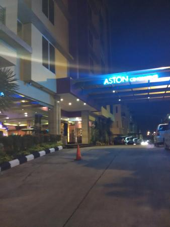 Aston Cengkareng City Hotel & CC : lobby
