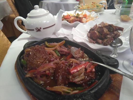 Golden Unicorn Restaurant: 肉!