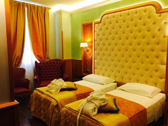 Hotel Vittoria: Twin Room Superior Delux