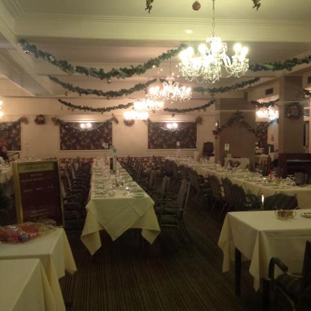 Kilbirnie Hotel: Excellent dining room.