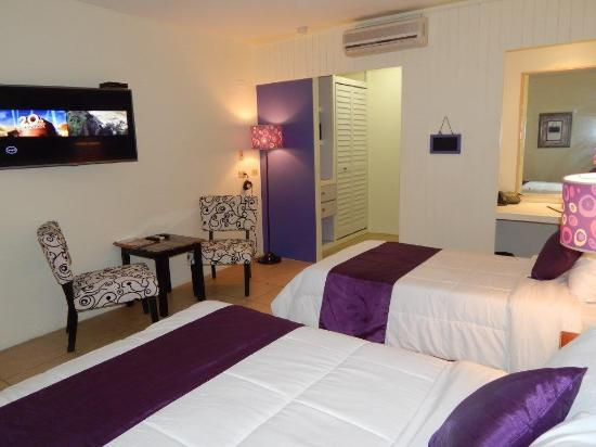 Chic, the boutique hotel & conference centre: Deluxe Room