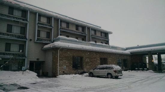 Shilo Inn Suites - Coeur d'Alene: IMG_20151229_084417798_large.jpg