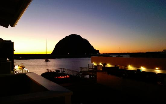 Anderson Inn: Sunset from the bay-view balcony