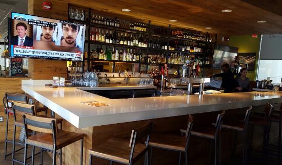 Bar - Picture of California Pizza Kitchen, Fort Lauderdale - TripAdvisor