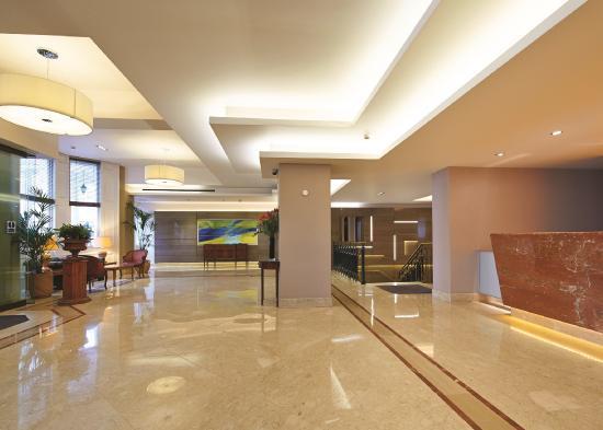 DoubleTree by Hilton Hotel London - Kensington: Hotel Lobby
