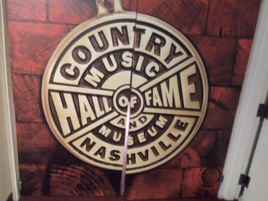 country music hall of fame symbol picture of country