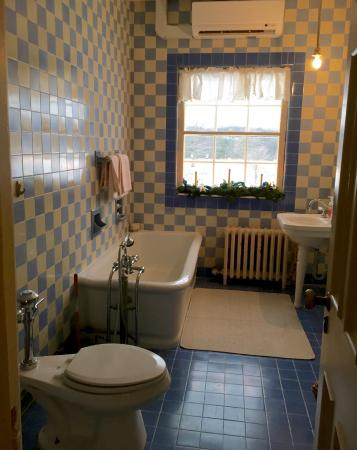 The Felt Estate: One of the 5 tiled bathrooms