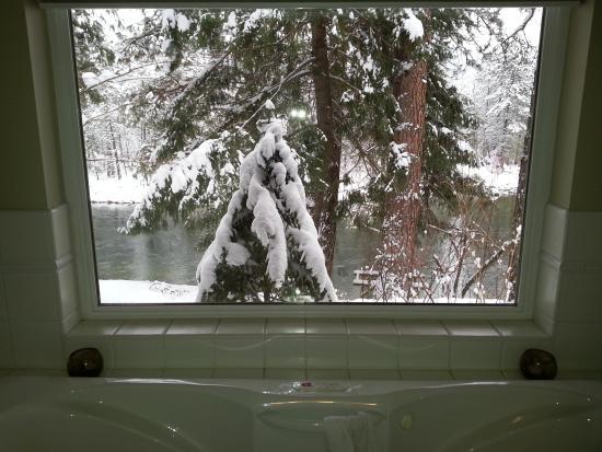 Фотография All Seasons River Inn