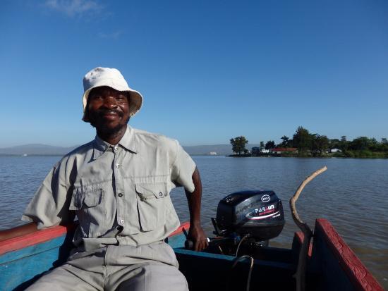 Dunga Bay: Titus, our fantastic guide