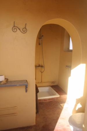 Meroe camp bathrooms Picture of Meroe