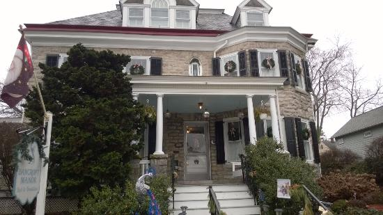 Bancroft Manor Bed and Breakfast: Lovely home