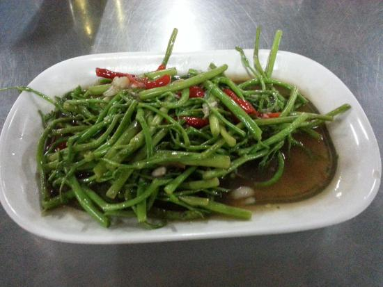 Hua Pla Chongnonsi: Stir fried water mimosa with spices