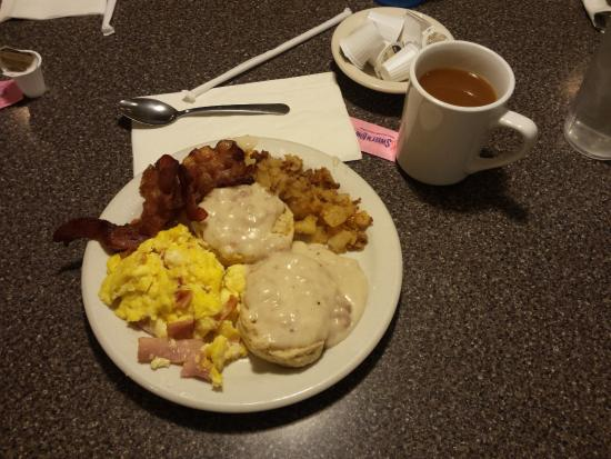 McLean, IL: Breakfast buffet -  Fill yer plate then fill yer belly!