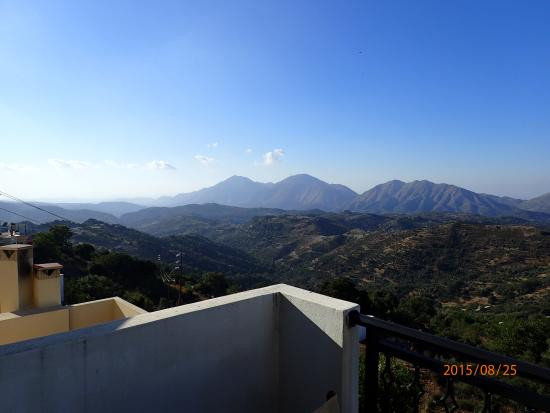 Anogia, اليونان: view from balcony