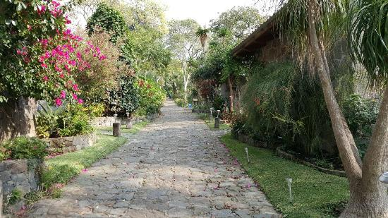 Posada de Santiago: Grounds