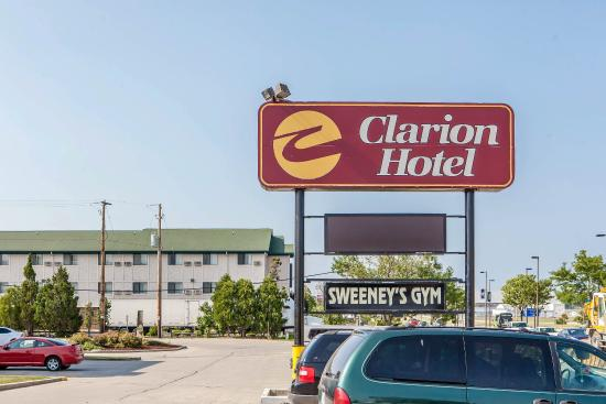 Clarion hotel airport milwaukee jul 2016 hotel reviews for Five star hotels in milwaukee