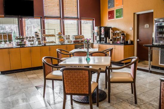 Comfort Suites Leesburg: VABKFASTCopy