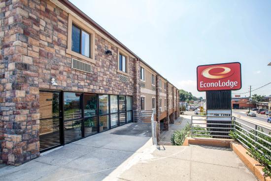 Photo of Econo Lodge Jersey City