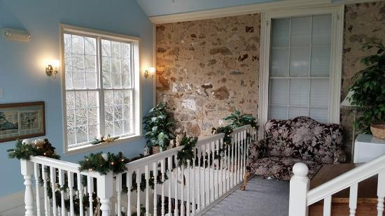Elk Forge B&B Inn, Retreat and Day Spa: 2nd floor landing