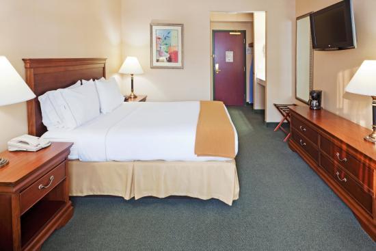 Durham, NH: Queen Bed Guest Room