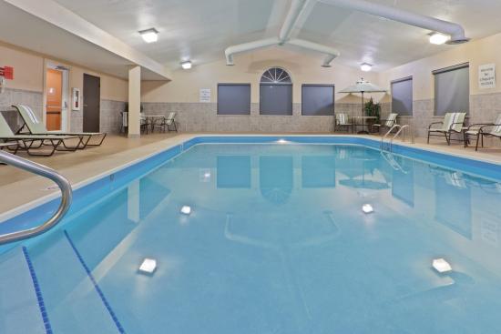 Holiday Inn Express Ashtabula-Geneva: Take a dip in our Pool.