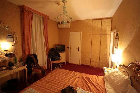 Hotel Castello: Notre chambre