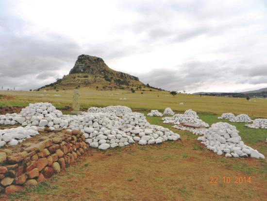 Isandlwana Battlefield: Monuments