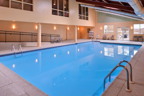 Holiday Inn Martinsburg: Take a refreshing swim in our indoor pool