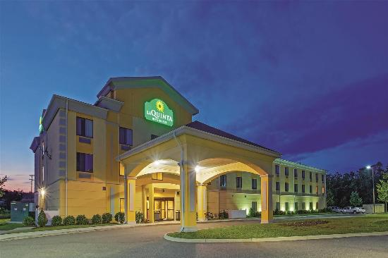 Photo of La Quinta Inn & Suites Richmond - Kings Dominion Doswell