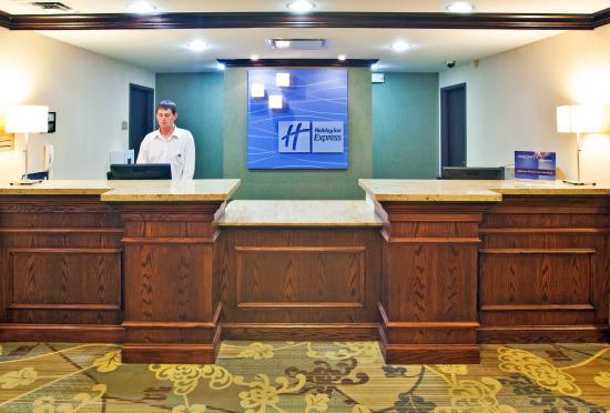 Altoona, IA: Hotel Lobby