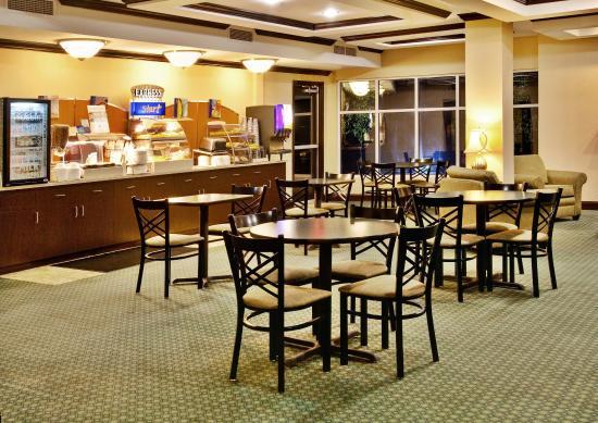 Altoona, IA: Breakfast Bar