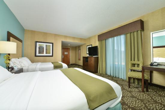 Holiday Inn Express Hotel & Suites Dillsboro: Deluxe Double Queen Guest Room
