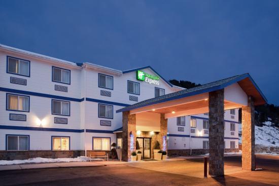 Holiday Inn Express Eagle: Hotel Exterior