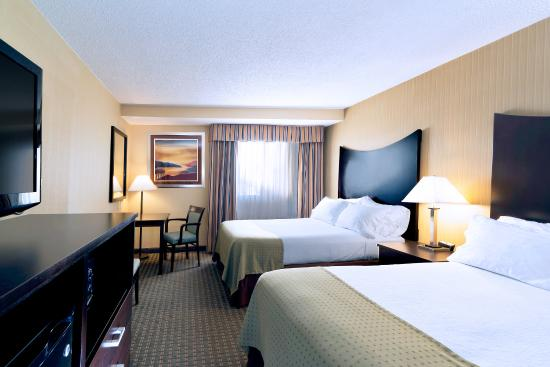 Holiday Inn Plattsburgh: Two Double Bed Guest Room
