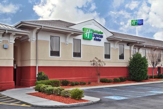 Photo of Holiday Inn Express Calhoun