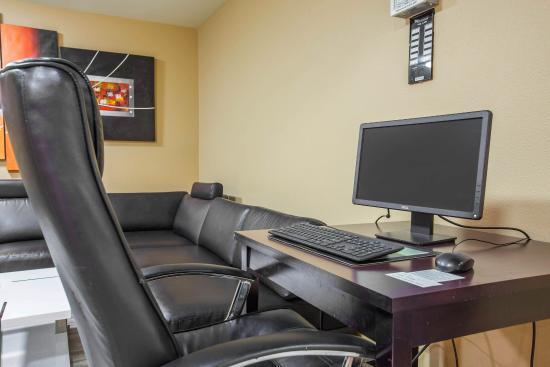 Quality Inn : Business Center