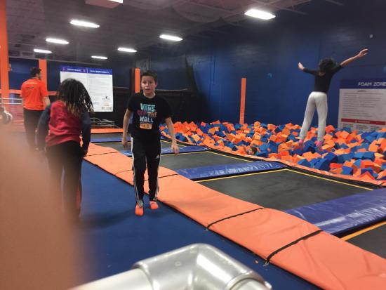 Maple Shade, NJ: Sky Zone Foam Pit
