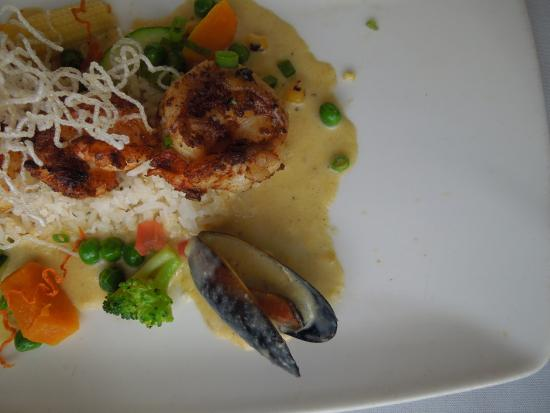 Holetown, Barbados: Grilled shrimp with mussels