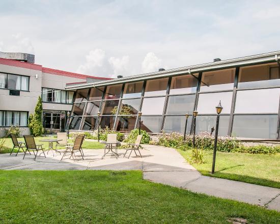 Photo of Econo Lodge Aeroport Montreal