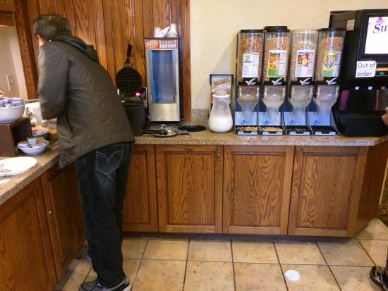 Baymont Inn & Suites Tempe Phoenix Airport: Breakfast