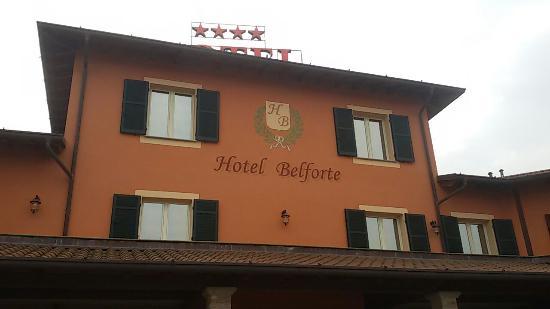 Belforte Monferrato, Italia: 20151231_112059_large.jpg