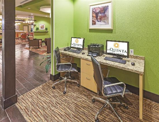 La Quinta Inn & Suites Pecos: Business center